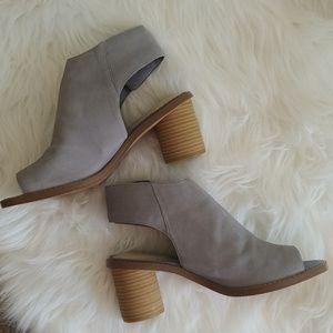 Clark's Somerset Pep toe heeled mules